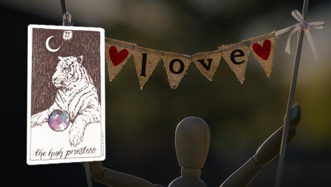 Таро прогноз для Рыб на февраль: любовь и отношения