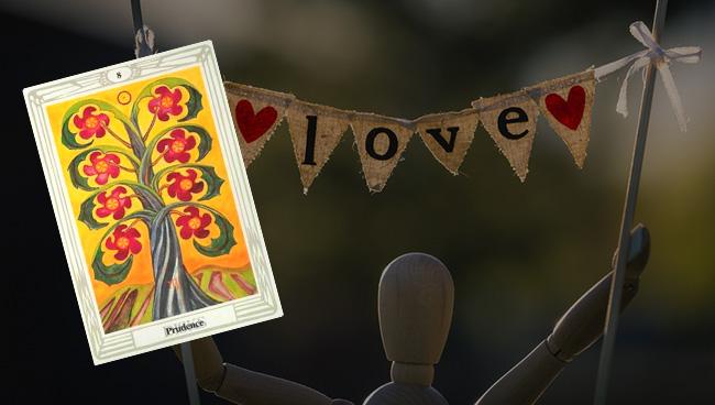 Таро прогноз для Скорпионов на апрель в отношениях и любви