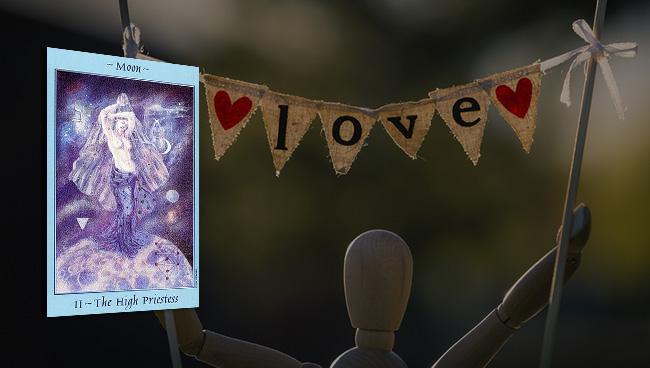 Таро прогноз для Скорпионов на май в отношениях и любви